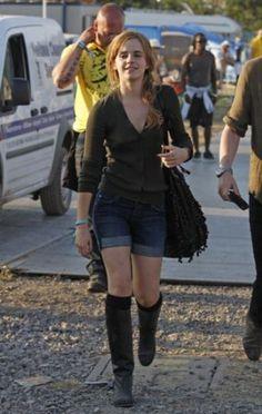 25 Emma Watson Casual Outfits Styleoholic | Styleoholic