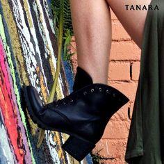 Todays choice #boots #tanarabrasil #shoesfirst  Ref. T0363