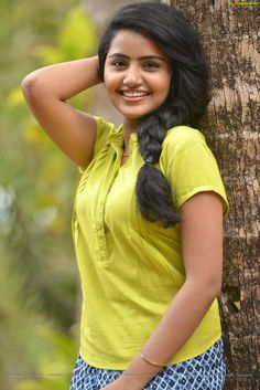 Anupama parmeshwaran Hot and sexy Indian Bollywood actress deshi models very cute beautiful seducing tempting photos and wallpapers with bi. Indian Actress Pics, Indian Bollywood Actress, Beautiful Bollywood Actress, Most Beautiful Indian Actress, South Indian Actress, Beautiful Actresses, Beauty Full Girl, Cute Beauty, Indian Girls Images