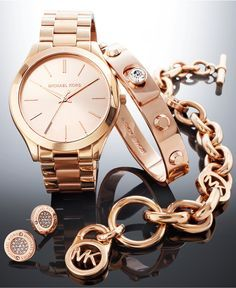 I have the same watch but love the set 😍 Michael Kors Rose Gold-Tone Gift Set - Women's Watches - Jewelry & Watches - Macy's Simple Watches, Elegant Watches, Bling Bling, Women's Accessories, Bijoux Or Rose, Michael Kors Rose Gold, Michael Kors Watch, Michael Watches, Accesorios Casual