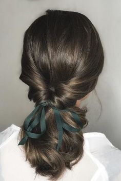 hottest bridesmaids hairstyles ideas swapt ponytail with green ribbon on dark ha. - hottest bridesmaids hairstyles ideas swapt ponytail with green ribbon on dark hair oui_novias via i - # short Braids shoulder length Pretty Hairstyles, Braided Hairstyles, Hairstyle Ideas, Boho Hairstyles, Short Hair Ponytail Hairstyles, Easy Elegant Hairstyles, Office Hairstyles, 1940s Hairstyles, Anime Hairstyles