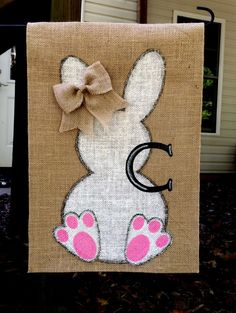 Bunny Burlap Garden Flag by ItsCraftyShop on Etsy Burlap Yard Flag, Burlap Garden Flags, Burlap Crafts, Diy Crafts, Burlap Projects, Sewing Projects, Diy Projects, Easter Crafts, Easter Decor