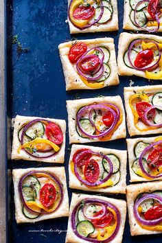 Sun tart with tomato caviar - Clean Eating Snacks I Love Food, A Food, Food And Drink, Antipasto, Best Appetizers, Appetizer Recipes, Tapas, Short Recipes, Brunch