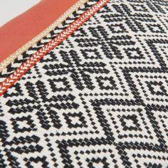 STROMBOLI printed cotton cushion cover 30 x 50 cm | Maisons du Monde | Havana Nights