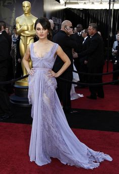 Stunningly gorgeous lilac Elie Saab gown. Oof.