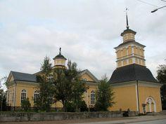 Kronoby kyrka och klockstapel. Bild: MV/RHO Maria Kurtén 2007