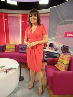 Show off those beautiful pins! Itv Presenters, Susanna Reid, Lorraine, Style Icons, Classic Style, Tights, Dresses For Work, Glamour, Weather