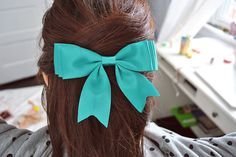 Tiffany blue bow, I would love to rock this