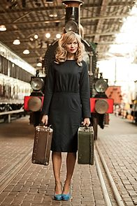A Mainline Train Dress Cute Dresses, Vintage Dresses, Dresses For Work, Retro Fashion, Vintage Fashion, Vintage Style, Modest Outfits, Girl Outfits, Irish Fashion