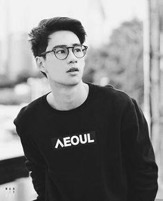 Book And Frame, Bad Romance, Thai Drama, Kawaii, Asian Boys, Cute Boys, Eye Candy, Thailand, Mens Sunglasses