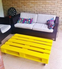 Pallet-table, so yellow