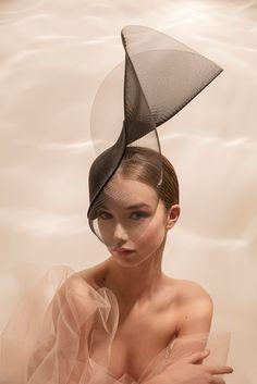 Philip Treacy Hats, Fascinator Hats, Fascinators, Headpieces, Fashion Face, Gothic Fashion, Fashion Fashion, Church Hats, Fancy Hats