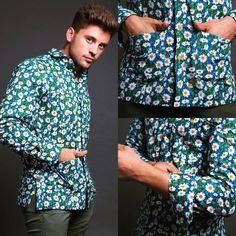 'Punta Umbría Flores'  Encuéntrala en 👉🏼 http://www.mimalaidea.com/?product=square-embroidery-t-shirt