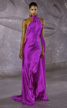 Naeem Khan Spring 2020 Fashion Show - Kleider Haute Couture Kleider Naeem Khan, Fashion 2020, Runway Fashion, Fashion Show, Fashion Design, Fashion Fashion, Fashion Brands, High Fashion, Dress Outfits