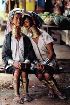 Friends - Long neck hill tribe in Northern Thailand