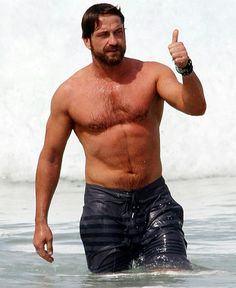 healthy meals to lose weight delivered to your door for a room ideas Gerard Butler, Danny O'donoghue, Famous Men, Hugh Jackman, Hairy Men, Beach Bum, Facial Hair, Beautiful Men, Holland