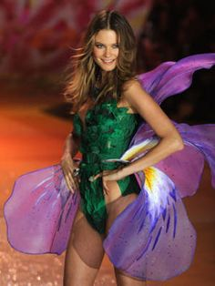 ADAM Levine is engaged to model Behati Prinsloo. Behati Prinsloo, Narciso Rodriguez, Adam Levine, Victorias Secret Models, Victoria Secret Fashion Show, Fashion Weeks, Juicy Couture, Alexander Wang, Costumes