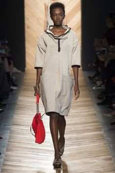 See the complete Bottega Veneta Spring 2016 Ready-to-Wear collection.