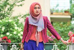Hijab Stylish Dengan Tabrak Warna