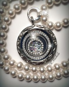 Diamonds and pearls.. ❤️❤️ Origami Owl style. Necklace & locket with Swarovski Crystals!! Visit: https://dreambig.origamiowl.com/ #jewelry #locket #pearls #swarovski