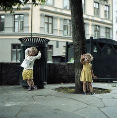 フリー写真, 人物, 子供, 女の子, 外国の女の子, ポートレイト, 姉妹, 二人, 手を振る,