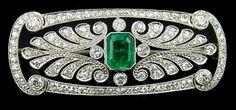 ART DECO | Platinum, Diamond & Emerald Brooch