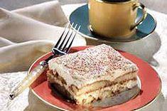 No Bake Tiramisu, made with Lady Fingers, Cream Cheese, Cool Whip (ugh), and Instant Coffee. No Bake Desserts, Just Desserts, Delicious Desserts, Dessert Recipes, Yummy Food, Awesome Desserts, Layered Desserts, Dessert Ideas, Cake Ideas