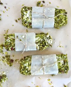 Vegan Matcha Energy Bars are a delicious and health, on-the-go snack! Made with green tea and coconut, these are delicious and plant-based! Vegan Snacks, Vegan Desserts, Raw Food Recipes, Healthy Recipes, Bar Recipes, Healthy Snacks, Healthy Breakfasts, Recipies, Alcoholic Desserts