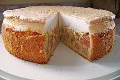 Rhabarberkuchen mit Sahneguss und Baiserhaube