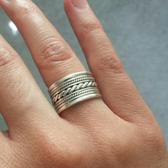 925 sterling silver band This ring is flawless, like new, worn a couple of times, size 4.5, perfect for the ring finger :-) 925 sterling silver as you can see in the pictures and mint condition! Italian Jewlers  Jewelry