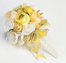Yellow/white bouquet