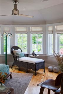Traditional Chaise Lounge Design Ideas, Pictures, Remodel, and Decor - page 9 Bathroom Window Coverings, Bay Window Treatments, Interior Design Gallery, Extra Bedroom, Vash, Pine Floors, Lounge Design, Traditional Bedroom, Sleeper Sofa