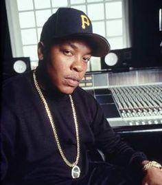 Dr Dre is here. Many pictures of Dr Dre. 90s Hip Hop, Hip Hop Rap, Dre Day, Estilo Hip Hop, Gangster Rap, Freestyle Rap, Old School Music, Rap Music, Live Music