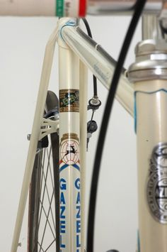 Very nice luged, nice details, very good condition, gold Retro Bikes, Bike Components, Velo Vintage, Push Bikes, Road Bike, Mtb, Transportation, Cycling, Champion