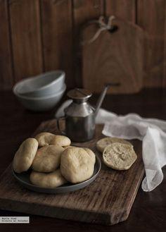 panecillos de aceite Pan Bread, A Food, Cookies, Desserts, Recipes, Liliana, Empanadas, Sandwiches, Chocolate