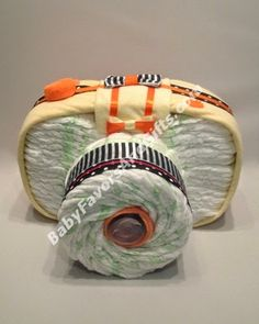 Camera diaper cake, unique baby shower gift ideas from #BabyFavorsAndGifts #uniquediapercakes