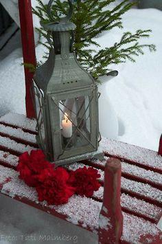 Christmas Lanterns, Christmas Past, Christmas Colors, All Things Christmas, Winter Christmas, Christmas Decorations, Christmas Wonderland, Winter Wonderland, I Love Winter