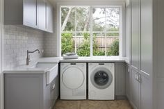 These amazing farmhouse laundry room decor ideas bring the charm to your house. So, here are some inspirations of farmhouse laundry room decor ideas. Small Laundry Rooms, Laundry Room Design, Small Rooms, Small Spaces, Farmhouse Laundry Rooms, Kitchen Design, Laundry Room Cabinets, Laundry Room Organization, Laundry Storage