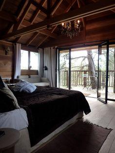 interior of the luxury treehouse La cabane de Valvert