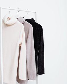 Лаконичные базовые свитера благородных тонов - обязательная составляющая каждого гардероба.  Мы открыты с 11:00 до 22:00, ул. Гороховая, 31 #Gate31.