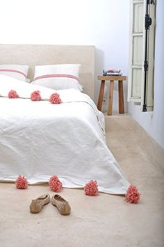 Coraline.+Moroccan+Pom+Pom+Blanket+Throw,+Quilt,+Bedding,+Cotton.+Small+(59+x+59+inches+/+1.5+x+1.5+m)