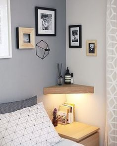 Small Bedroom Ideas - Here are ten small bedroom ideas and tips to help you . Small Bedroom Ideas – Here are ten small bedroom ideas and tips to help you … – bedroom storage Small Bedroom Organization, Organization Ideas, Storage In Small Bedroom, Small Bedroom Interior, Decorating Small Bedrooms, Bedroom Shelving, Small Bedroom Furniture, Corner Shelves Bedroom, Diy Decorating