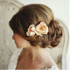 Preety Wedding Day Hairs With Flowers