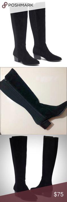 NWT Women/'s Windsor Knee High Socks Navy Size Medium 6 Pair Straight Line Design
