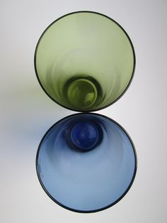 Pair of coloured tumblers or juice glasses designed by Tapio Wirkkala before 1956 for Iittala, Finland, price is per set of 2 by Scandibox on Etsy Abstract Sculpture, Tumblers, Finland, Juice, Household, Conditioner, Glasses, Blue, Color