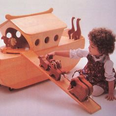 Vintage Noahs Ark Cradle Woodwork Craft Pattern (cradle & Toy Box) (80s)