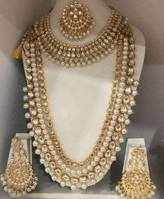 Indian Bridal Jewelry Sets, Indian Jewelry Earrings, Wedding Jewelry Sets, Bridal Jewellery, Beaded Necklaces, Diamond Jewellery, Wedding Accessories, Gold Jewelry, India Jewelry