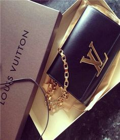 Cheap Louis Vuitton HandBags Outlet wholesale . Free Shipping and credit cards accepted,no minimum order, Fast delivery, Easy returns, also have Delivery Guarantee & Money Back Guarantee, trustworthy business. #LVbags #LouisVuitton #Handbags #Fashion