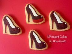 Galletas glaseadas zapato tacón #cookiesbyanaantolin #cookies #galletasdecoradas