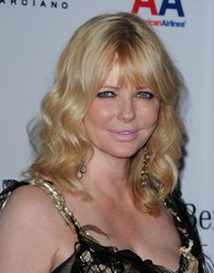 Cheryl Tiegs - Haute Hairstyles for Women Over 50 - StyleBistro. She has ruined her face why are they so afraid of aging? CanyT change your hands or your heart of the time they look worse! Get example in this picture Medium Hair Styles For Women, Short Hair Cuts For Women, Cheryl Tiegs, How To Style Bangs, Haircuts With Bangs, Short Haircuts, Easy Hairstyles, Hairstyle Pics, Style Hairstyle